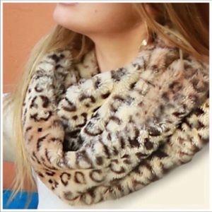 Faux Fur Leopard Infinity Scarf NWOT